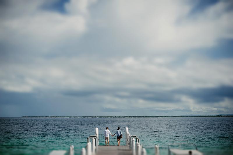 Engagement Beach Ideas Shangrila Mactan Resort and Spa Seaside Prenup Pictures 17